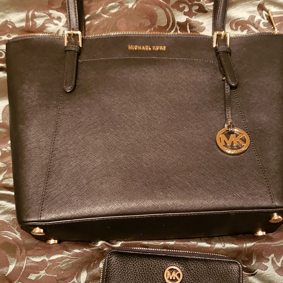 f9632a510d02f5 Michael Kors Bags | Brand New Never Used Mk Purse And Wallet | Poshmark